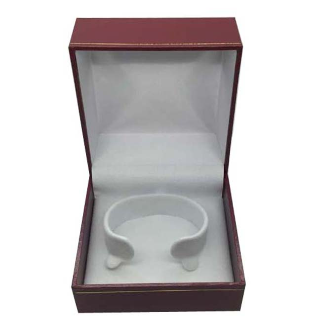 Price for 1 Premium Red Leatherette Watch or Bangle Gift Box. Dim 90(w) x 90(d) x 60mm(h).