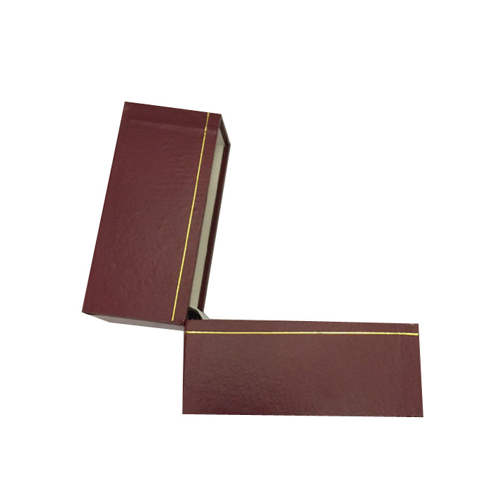 Price for 1 Premium Burgundy Leatherette Bangle Gift Box. Dim 32(w) x 94(d) x 80mm(h).