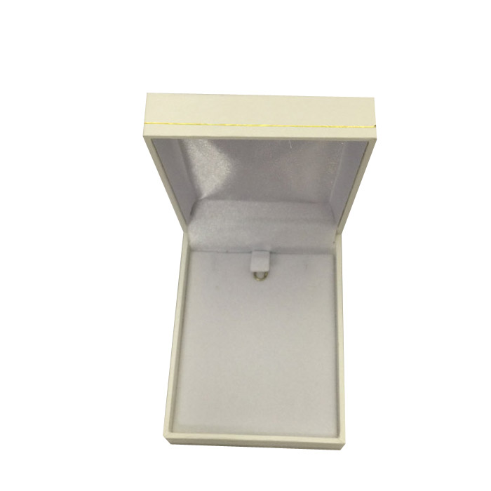 Price for 1 Premium White Leatherette Earring and Pendant Gift Box. Dim 64(w) x 82(d) x 25mm(h).