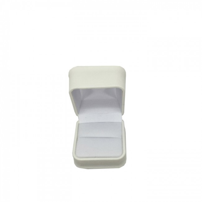 1 x Soft Padded Premium Leatherette Ring Gift Box in White. Dim 57 x 57 x 50mm(h).