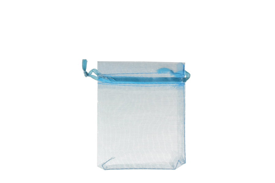 Plain Blue Organza Pouches. Price for Pack of 100. Dimensions 9cm(W) x 13cm(H).