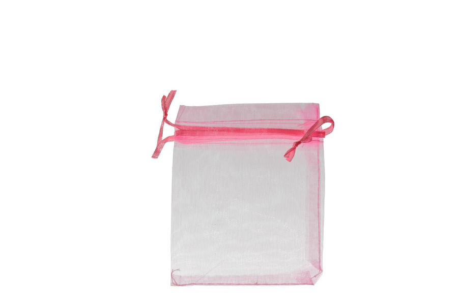 Plain Pink Organza Pouches. Price for Pack of 100. Dimensions 9cm(W) x 13cm(H).